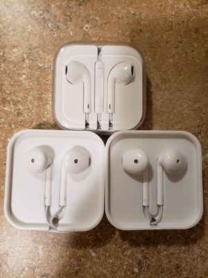 3 pairs of wired earbuds with built-in microphones for Sale in Chino Hills, CA