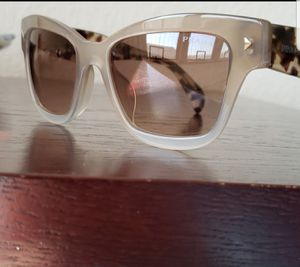 Dolce & Gabbana Sunglasses for Sale in Waukegan, IL