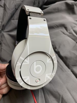 Beats Studio Noise Canceling Limited Edition for Sale in Puyallup, WA