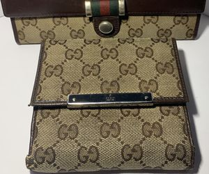 Genuine reconditioned Gucci wallet billfold for Sale in Southwick, MA