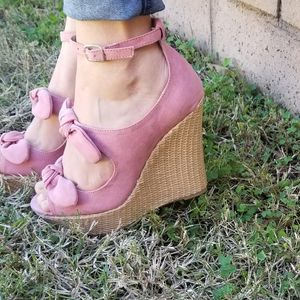 Pink Suede Bow Ankle Strap for Sale in Ontario, CA