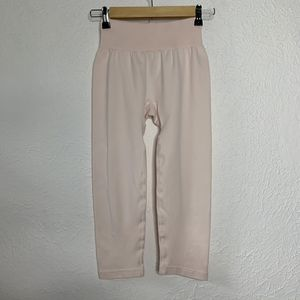 New Balance Light Pink Seamless Crop Leggings for Sale in Alamo Heights, TX