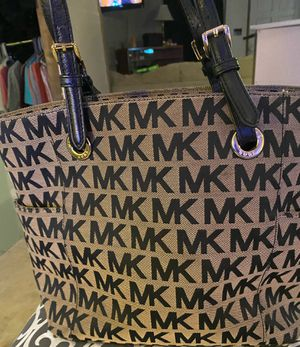 Michael Kors purse for Sale in Mabelvale, AR