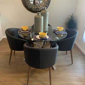 5 piece dining table and chairs for Sale in Rossmoor, CA
