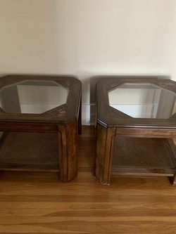 Two side tables good condition for $100 Negotiable for Sale in Pasadena,  CA