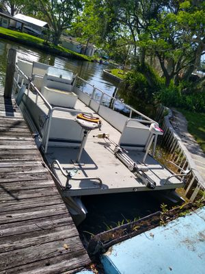Kayot platoon boat for Sale in Lakeland, FL