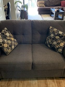 Loveseat for Sale in Irving,  TX