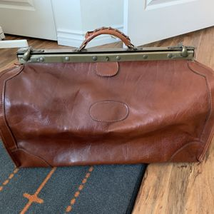 Italian Leather Duffle Bag Luggage Travel Gym Bag for Sale in Torrance, CA