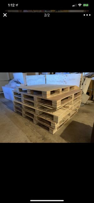 FREE PALLETS! MUST PICK UP! for Sale in Union City, CA