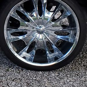 22in 5 Lug Nut Blot pattern No Tires Came off A Chevy , No Digs Or Scratches for Sale in Evansville, IN