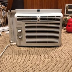 Frigidaire AC unit for Sale in Normandy Park,  WA
