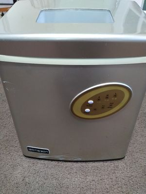 Emerson Portable Ice maker (IM90T) for Sale in Clearwater, FL