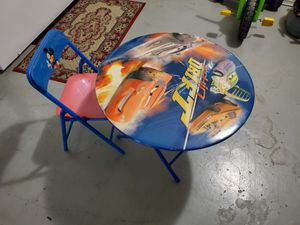 Kids table and chair for Sale in Pembroke Pines, FL