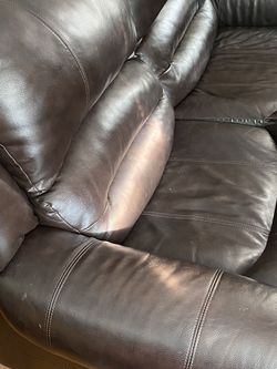 5-piece GENUINE leather Sectional (Raymour & Flanigan) for Sale in Philadelphia, PA