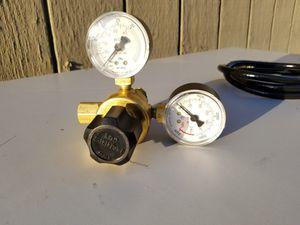 Harris 601 Compressed Gas Regulator With Hose, 0-30l/min, 0-3000psi for Sale in Pomona, CA
