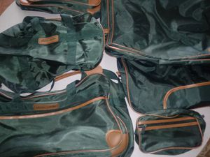 Five piece Pierre cardin luggage set for Sale in Columbus, OH