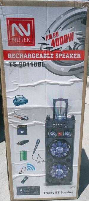 PORTABLE SPEAKER BLUETOOTH KARAOKE for Sale in Moreno Valley, CA