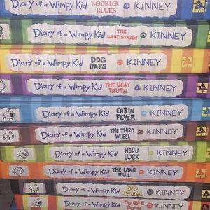 Diary Of A Wimpy Kid Complete Set 70$ for Sale in Pinole, CA