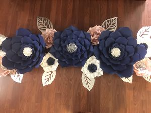 Paper flowers 🌸 for Sale in Lakeland, FL