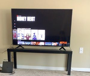 The 50 inch hisense tv is very well almost brand new for Sale in Oviedo, FL