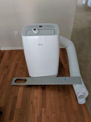 DELLA 12000 BTU Portable Air Conditioner for Sale in Bothell, WA
