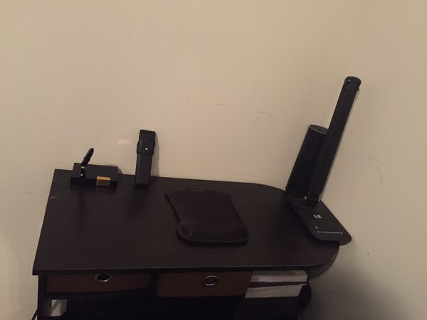 Set of small desk and chair