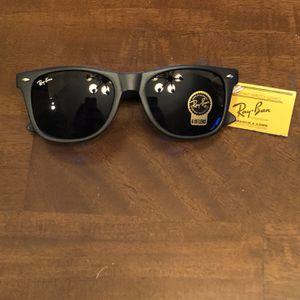 Ray Bans Sunglasses Wayfarer for Sale in Avondale, AZ