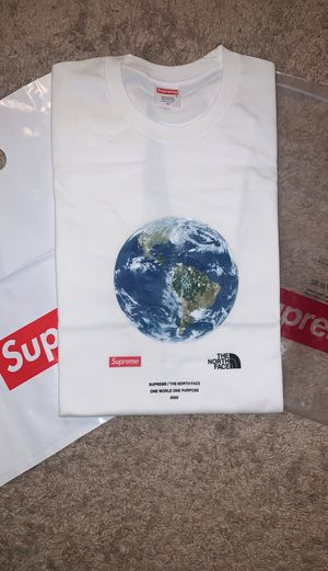 Supreme X the north face for Sale in Henderson, NV