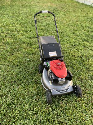 Honda lawn mower. for Sale in Miami, FL