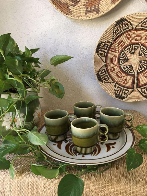 4 Vintage Stackable Coffee Mugs 1970's