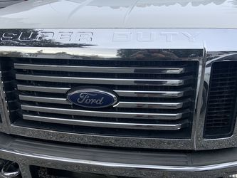 Ford Superduty Chrome Grill And Mirrors for Sale in Kenmore,  WA