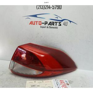 2016 2017 2018 HYUNDAI TUCSON RIGHT PASSENGER TAIL LIGHT OEM UF44246 for Sale in Compton, CA
