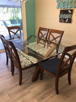 7 pc dining table for Sale in Punta Gorda, FL