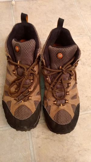 M 10.5 Merrell Hiking Boots for Sale in San Diego, CA