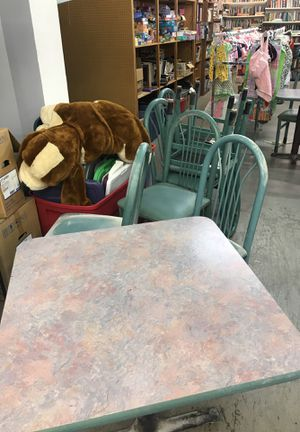 Small table and four restaurant chairs only $50 for Sale in Cahokia, IL