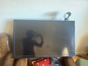 40 INCH flat tv , has hdmi ports !!! for Sale in Denver, CO