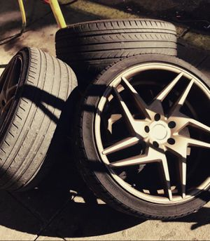 20 inch rims w tires! for Sale in Brooklyn, NY