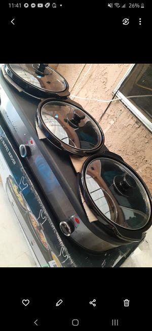 Bufet eletrico para mantener caliente la comida bonitos grande nuebo 50$ puede usarlas para sus fiestas o eventos for Sale in Los Angeles, CA