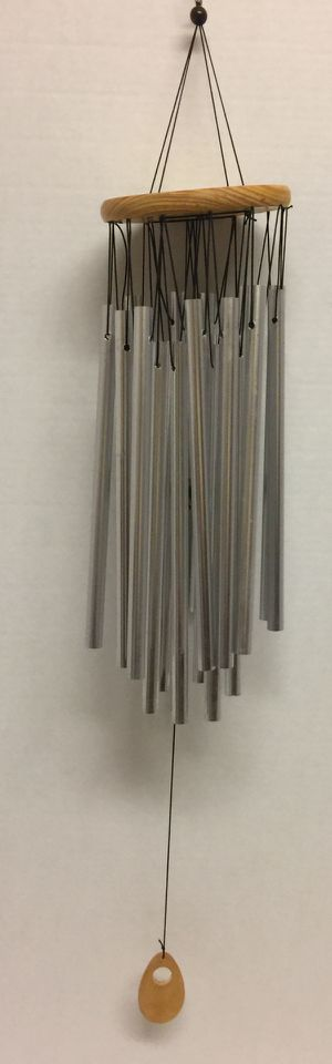 🙋♀️ Silver Tube and Wood Wind Chime 💨 for Sale in Pembroke Pines, FL