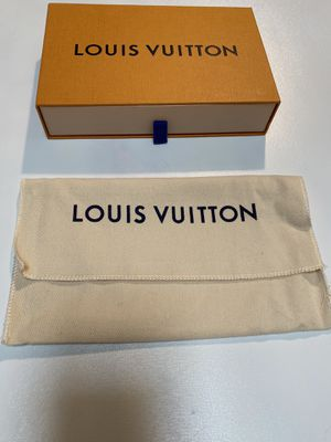 Louis Vuitton dust bag and box authentic for Sale in Moreno Valley, CA