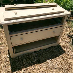 FREE! Wooden dresser for Sale in Alameda, CA