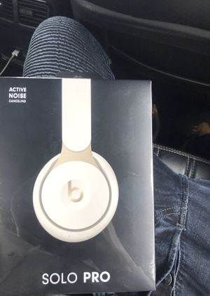 Beats SOLO PRO for Sale in Dearborn, MI