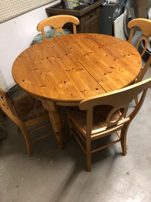 Wooden Dining Table for Sale in San Diego, CA