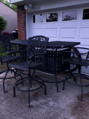 RETRO !!! Cast Aluminum Pool Side BAR!!! for Sale in Canonsburg, PA