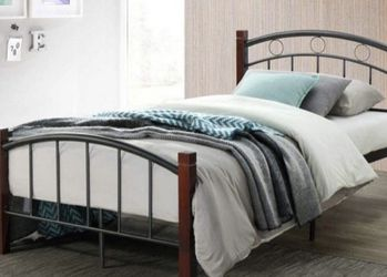 Metal Twin Bed for Sale in Clovis,  CA