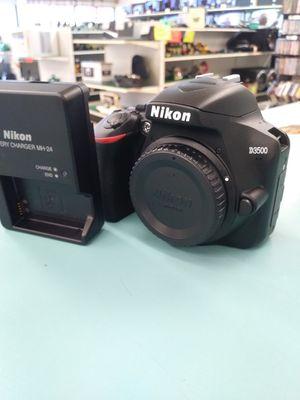 Nikon D3500 for Sale in Sebring, FL