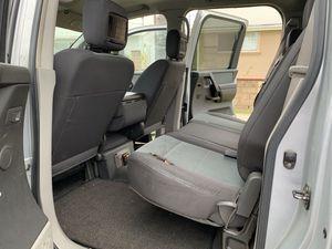 2004 Nissan Titan Crew Cab 4Door for Sale in Escondido, CA
