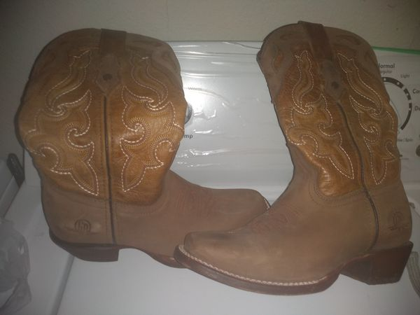 Women boots size 71/2