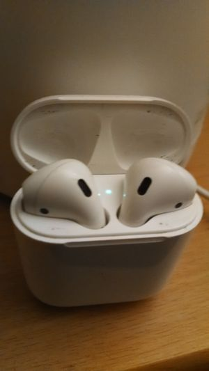 Apple Airpods 1st Gen really good condition with case and ill deliver! for Sale in Santa Ana, CA