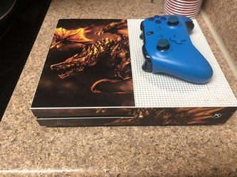 XBOX ONE S 1 TB WITH BLUE CONTROLLER for Sale in Channelview, TX